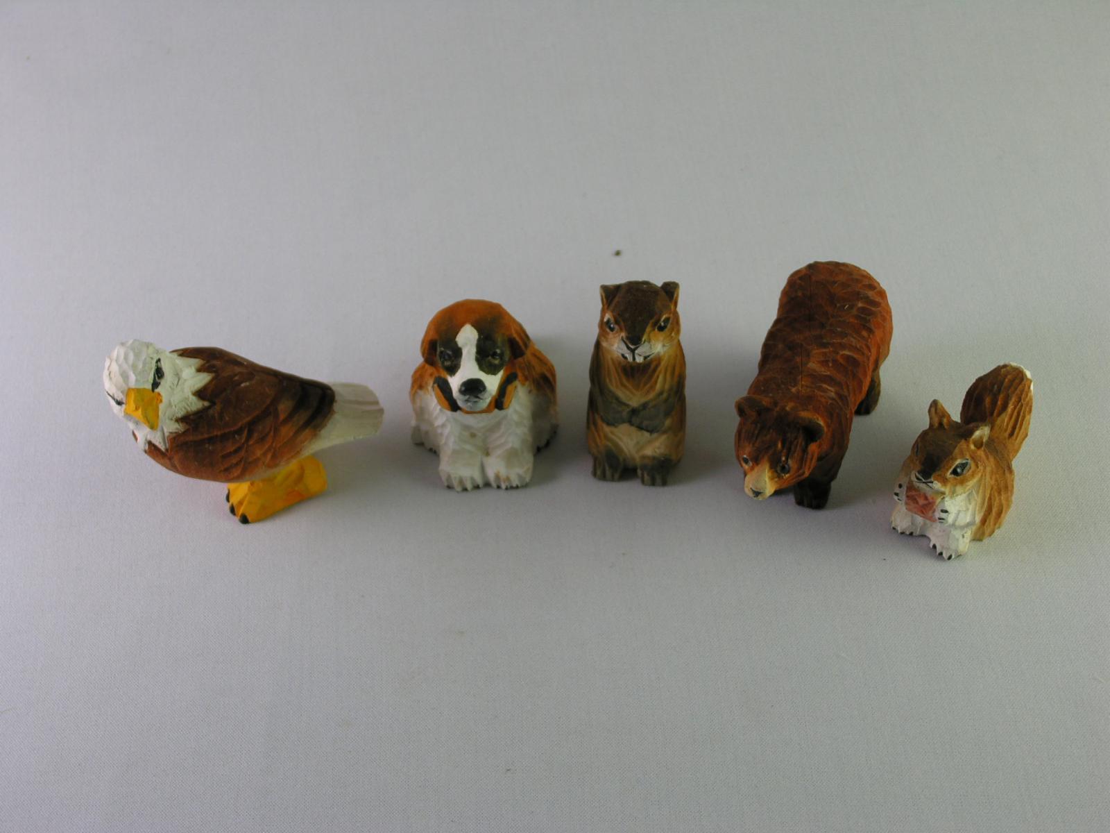 15 Fogli Capacit/à Scultura in Legno Creativo e Pratico AA-Cucitrice Colore : Akita Animale Sveglio di Figura Mini Cucitrici